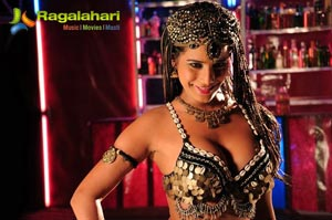 Poonam Pandey Love Is Poison