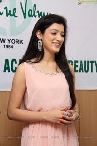 Richa Panai CV International Academy Of Beauty