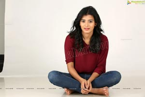 Kumari 21F Heroine Actress Hebah Patel