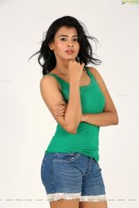 Kumari 21F Heroine Hebah Patel