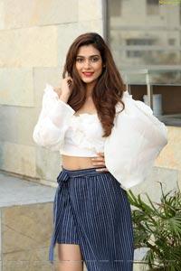 Aakanksha Singh High Definition Photos
