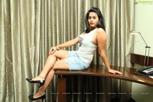 Komal Chaurasiya Delhi Model