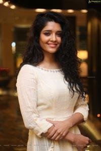 Ritika Singh Ragalahari