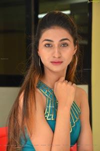 Myra Amiti at Only Nenu Trailer Launch