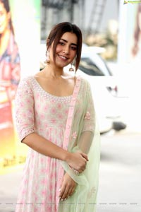 Raashi Khanna at Venky Mama Thanks Meet