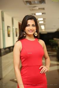 Sanjana Vij at Hi-Life Exhibition Fashion Show