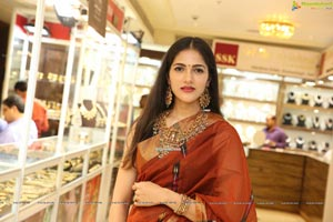Simran Choudhary at UE The Jewellery Expo