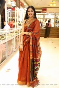 Simran Choudhary at UE The Jewellery Expo