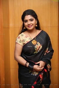 TV Actress Sravanthi