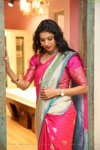 Sushma Veduruvada at Sirisha Reddy Silk Saree Showroom