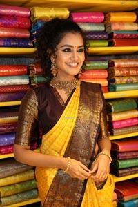 Anupama Parameswaran at Mugdha Art Studio