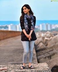 Nabha Natesh Stills From Solo Brathuke So Better
