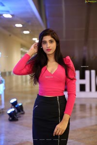 Naziya Khan at Hi-Life Fashion Exhibition