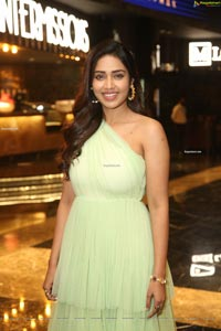 Nivetha Pethuraj at Red Movie Trailer Launch