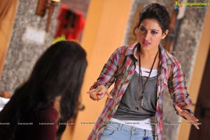 Tamanna in T Shirt and Jeans