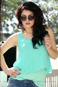 Model Gulsanam Fakirova Photos