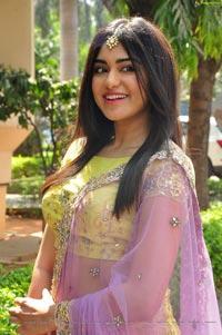 Adah Sharma HD Photos