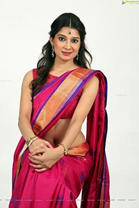 Pinky Lakhera in Saree