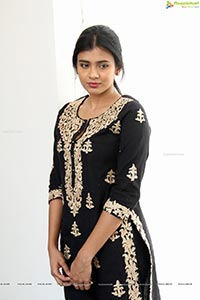 Hebah Patel High Resolution Photos