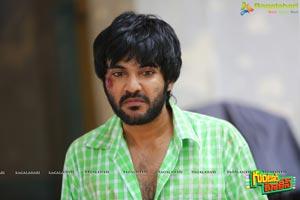 Sidhu Jonnalagadda in Guntur Talkies