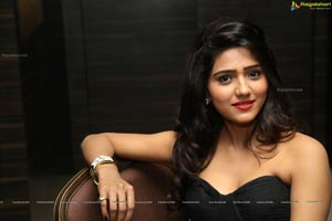 Shalu Chourasiya Photos