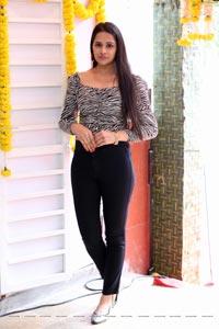 Abha Singhaal at Alankar Makeup Studio