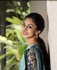 Aishwarya Arjun HD Photo Gallery
