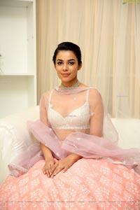 Greeshma Turakhia Showcases Varun Chakkilam's Collection