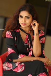 Karunya Chowdary at 3 Monkeys Pre-Release Event