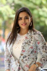 Kriti Garg at Raahu Success Meet