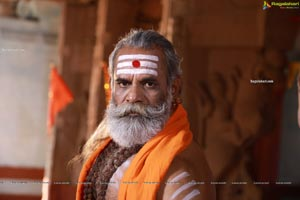 Kumanan Sethuraman in Asalu Em Jarigindhante Movie