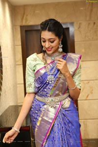 Lakshmi Ayalasomayajula at Manepally Jewellers
