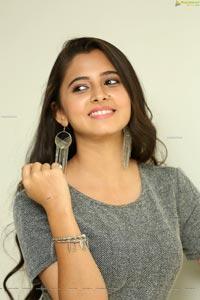 Preethi Asrani HD Photos