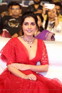 Raashi Khanna at World Famous Lover Pre-Release
