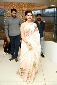 Samantha Akkineni at Jaanu Success Meet