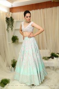 Sania Diyar Showcases Varun Chakkilam's Collection