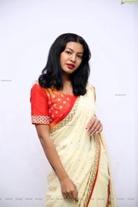 Kavita Mahatho in Beautiful Designer Saree