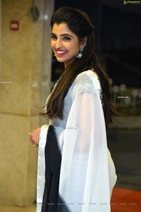 Anchor Syamala in Black and White Chiffon Saree