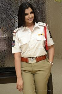 Anchor Shyamala at Kapatadhaari Movie Pre-Release Event