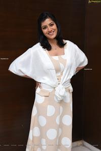 Varalaxmi Sarathkumar at Naandhi Movie Appreciation Meet