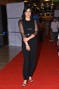 Varalaxmi Sarathkumar at Naandhi Movie Pre-Release Event