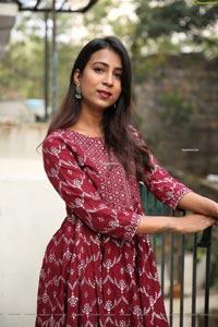 Vidya Indurkar in Red Printed High Low Hem Anarkali Kurti