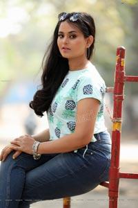 Vaanya Aggarwal in Skyblue Pineapple Print Crop Top