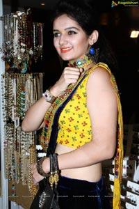 Esha Hindocha Photos
