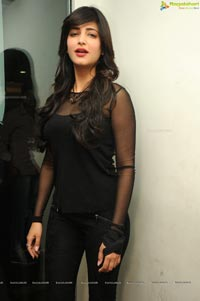 Shruti Haasan in Black Dress