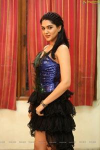 Sakshi Chaudhary High Resolution Photos