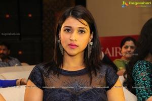 Mumbai Actress Mannara Chopra Photos