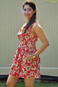 Pugazh Heroine Surabhi