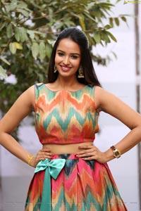 Poojitha Ponnada Photos