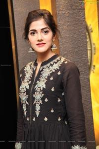 Simran Choudhary Photos